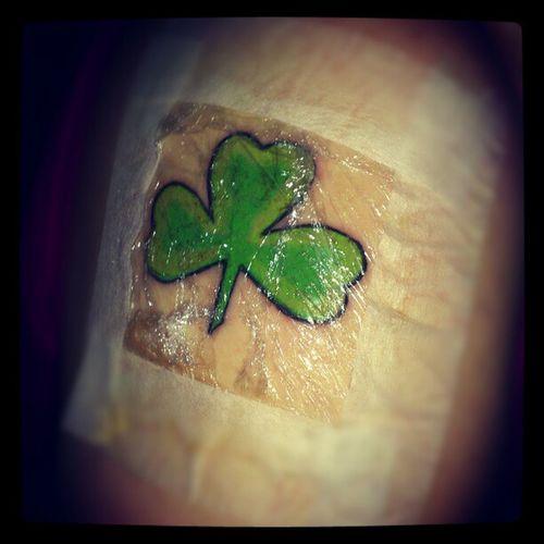 Min tatuering! <3 . Tattoo MyFirstTattoo Shamrock