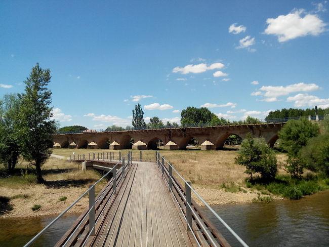 2015  Bridge Bridge - Man Made Structure Brücke Camino CaminodeSantiago El Camino De Santiago Jakobsweg Pilgern Pilgrimage River Sky And Clouds Weg Wege Und Strassen