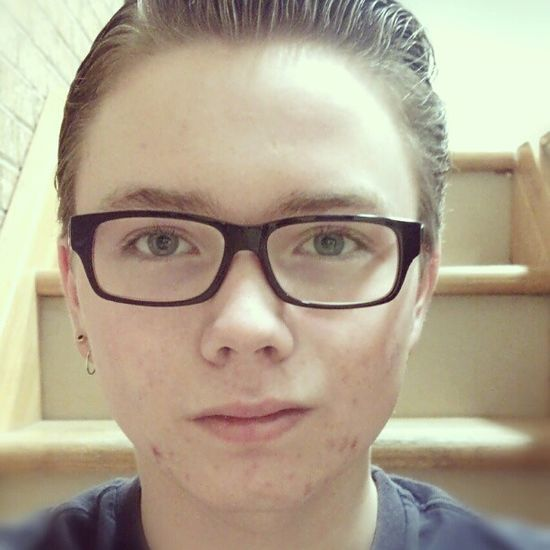 Gay Cute Cutie Boy Hot Hunk Guy Glasses Nerd Gaystagram Gayswag Bi Biguys Sexy Follow4follow F4F Hair Style Gayguys