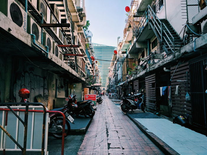 Architecture Built Structure Building Exterior Day City Outdoors Thailand_allshots No People Sky Alley Alleyway Alley Scene Alley Photography AlleyShots Streetphotography Street Photography Street Streetview