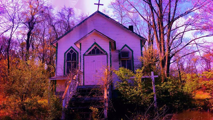 Can you see the face (left of the cross) looking down Holyplace Holy Spirit Holycross Wear Your Sunday Best Church Church Time Church Ruin The Great Outdoors - 2016 EyeEm Awards The Magic Mission Breathing Space Countryside EyeEmNewHere