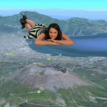 Caterina Balivo Napoli Vesuvio Panorama Golfodinapoli Italia California Washington Warsaw Poland #Washington #Texas #Oklaoma #Perù #Srilanka #Malaysia #Filippine #Bangkok #Bangladesh #France #Taiwan
