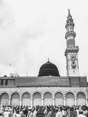 Architecture Masjidil Nabawi Madinah Adult Architecture Building Exterior Built Structure Day Dome Green Dome Islamic Architecture Large Group Of People Lifestyles Men Mosque Outdoors People Real People Religion Tourism Travel Travel Destinations Vacations
