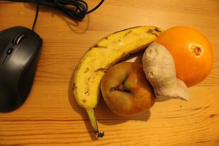 Fruite Creation Food Healthy Eating Fruit Still Life Table Wellbeing Wood - Material Freshness Indoors  No People Apple - Fruit Apple Directly Above Orange Color Banana Orange Ingwer Ingwerwurzel Ingwergewächs