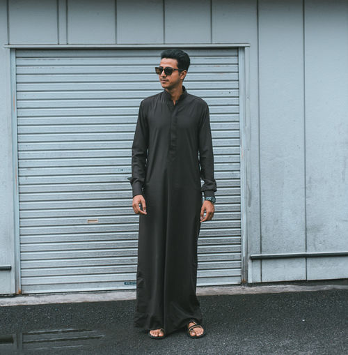 // EID 2k18 // p.s the owner of the page ;) 2018 50mm AMPt_community Eid Mubarak EyeEm Japan Japan Photography Architecture Building Exterior Built Structure Candid Closed Day Eid Fashion Front View Full Length Glasses Iron Lifestyles Men One Person Outdoors Portrait Real People Safety Security Shootermag Shutter Standing Sunglasses The Fashion Photographer - 2018 EyeEm Awards Urban Fashion Jungle