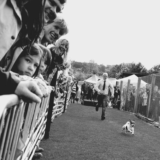 Running Learn & Shoot: Layering Run Dog Croud People Watching People Dog Show Blackandwhite Monochrome