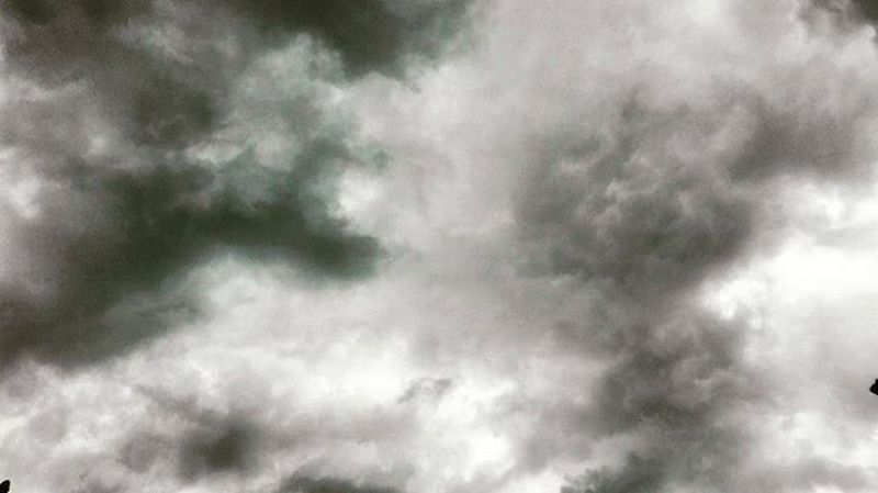 Greyskies Grey Rainclouds Sky Lookup Top_bnw Ss_bw_20