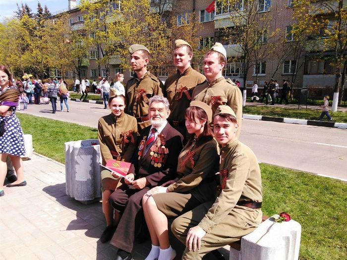 9 мая 2015 волонтерский корпус 70-летия Победы Обнинск яволонтер 70 лет победы ветеран Скажиспасибоветерану🇷🇺 спасибо за жизнь