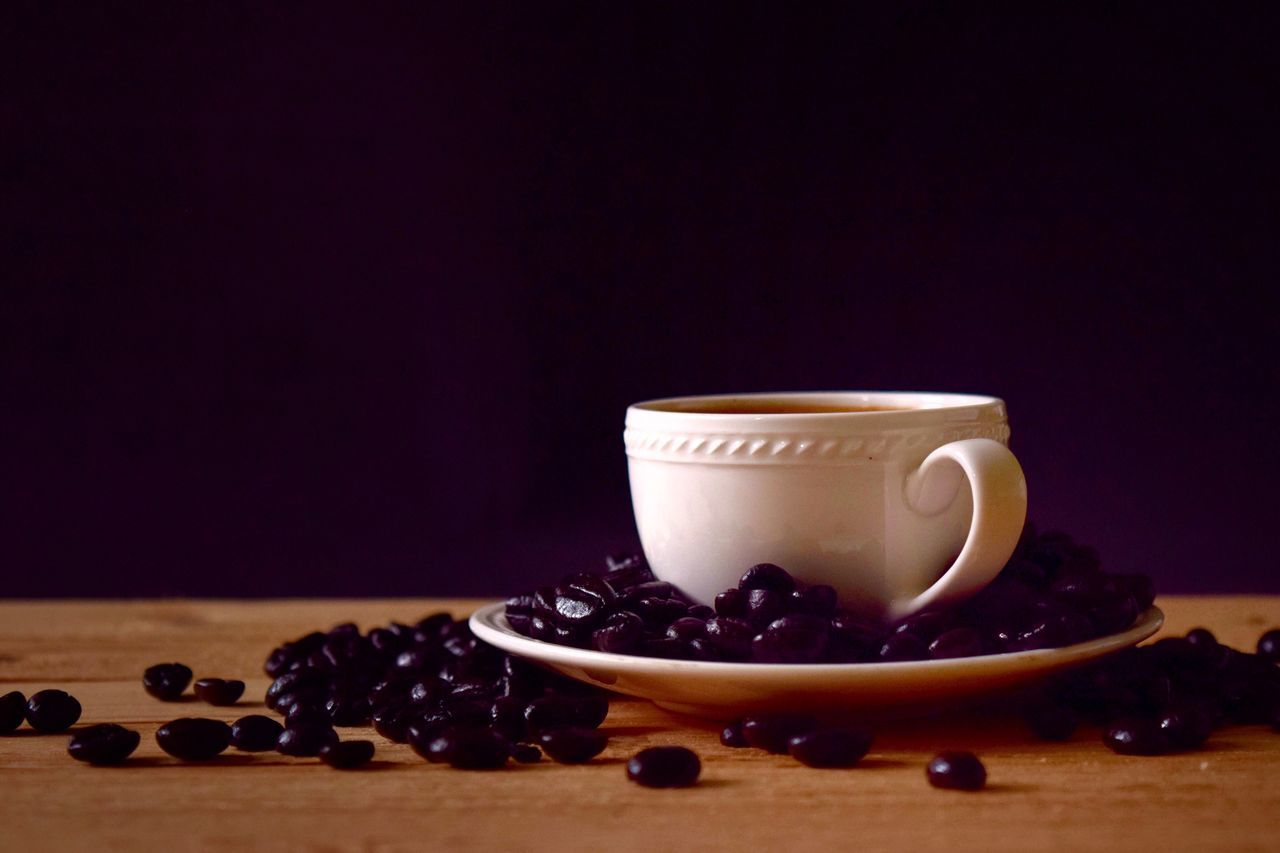 food and drink, still life, table, roasted coffee bean, food, freshness, coffee bean, indoors, raw coffee bean, no people, coffee - drink, studio shot, drink, refreshment, close-up, black background, healthy eating