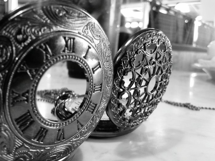 Close-up Indoors  Watches Pocket Watch Time Monochrome Photography Store Horizontal No People Close-up Indoors  Day