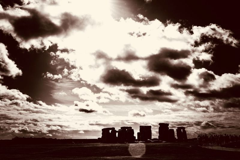 Them Stones Stonehenge Salisbury Canon Canonphotography 760D History The Past Cloud - Sky Ancient Old Ruin Sky Architecture Built Structure Sunset Ancient Civilization Archaeology Travel Destinations Monument Sunlight Memorial No People Building Exterior Outdoors Nature
