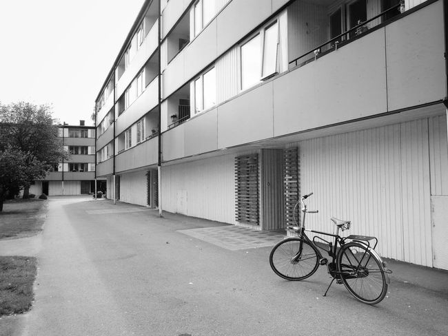 Bicycle Building Exterior City Gothenburg Gothenburg, Sweden Göteborg, Sweden Göteborg Sweden Goteborg Bicicleta Bici Bikeporn Bikelife Blackandwhite Black & White Black&white Monochrome