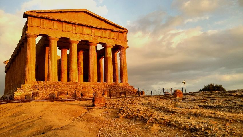 Architecture History No People Sicilianjourney Holidays Ray Of Light Travel Destinations February 2017 A Place To Remember Historical Building Vale Dei Tempi Greek Temple Ruins Sunset