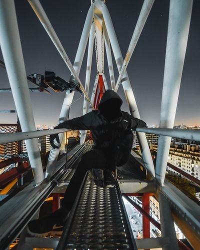 Game of thrones Dark darkness and light Light Light And Shadow Cityscape Paris Exploring Portrait Crane - Construction Machinery Urbex Crane Built Structure Bridge - Man Made Structure Architecture Men Real People Outdoors One Person City Sky