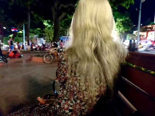 The old woman. Alone. Eyeem Collection 43 Golden Moments Woman Woman Portrait Woman Who Inspire You Womans Alone Old Woman Old Woman Portrait Hiendat Hanoi Hanoi Vietnam  Vietnam Showcase July Hidden Gems  Women Around The World