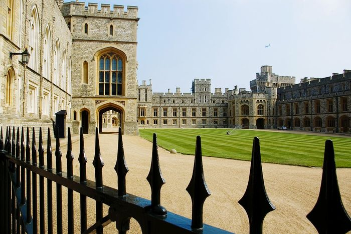 Architecture Built Structure Residential Building Fence Outdoors Travel Destinations No People History Non-urban Scene England🇬🇧 English Countryside Queen Elizabeth  Windsor Castle