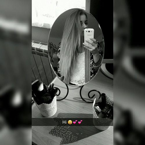 Polishgirl Snapchat Snappic Snapgirl beauty teenager longhair blackandwhite blackandwhiteagain tagsforlikes saturdayselfie selfie mirrorselfie hello instapic intagirl byebye seeya