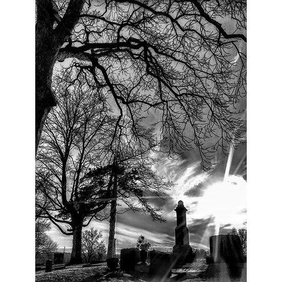 Local cemetery at sundown in bnw... Ks_pride Wow_america_bnw World_bnw World_shotz World Trb_bnw Trb_sunsetsfx Graveyard Graveyarddead Bnw Bnw_captures Bnw_globe Cemetery Sunset Sunsets Fuckyeah