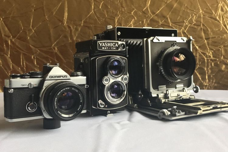 Yashica Mat 124 Olympus Om-2n 4x5  120 Film 35mm Film Film Photography MPP MKVII Photography Themes Camera - Photographic Equipment Lens - Optical Instrument Retro Styled Old-fashioned Technology Indoors