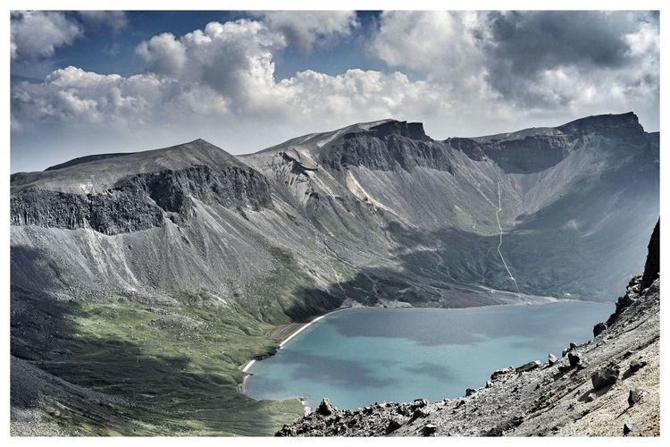 장백산 Taking Photos Enjoying Life Light And Shadow Traveling Mountains