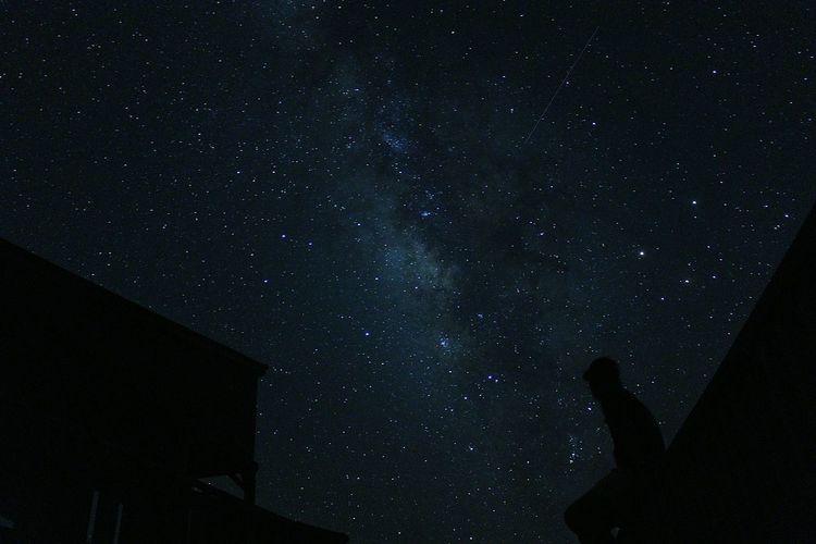 織姫と彦星は会えたかな? Star - Space Night Sky Milky Way Outdoors People Nature 日本 Beauty In Nature Beauty Camera Japan Japan Photography 流れ星 Happiness Beautiful Star