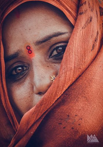The Gypsy s Eyes Human Eye Looking At Camera Human Face Young Adult Young Women Close-up Indoors  Portrait Adult Real People Human Body Part Beautiful Woman One Woman Only Only Women Adults Only One Young Woman Only People Day EyeEmNewHere SONY A7ii Art Is Everywhere Sonyalpha First Eyeem Photo Travel The Street Photographer - 2017 EyeEm Awards