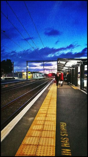 Good morning! 🙋🌅✌Public Transportation Commuting Morning Commute Platform Early Morning Cold!