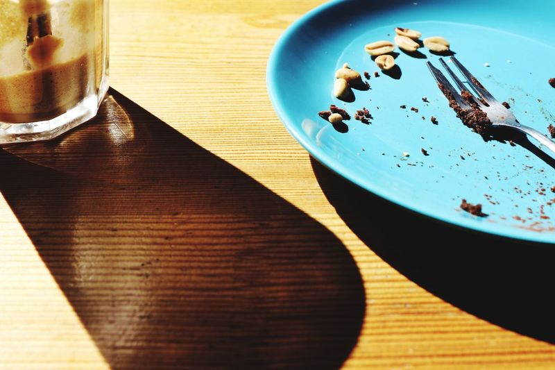 A blue plate