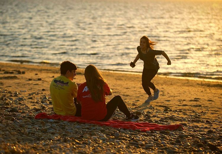 Sunset Beach Sand Child Boys Togetherness Friendship Fun Childhood Joy Summer Casual Clothing Playing Males  Leisure Activity Two People Vacations Sea Happiness Coastline Water EyeEm Best Shots Citygrammers Canonphotography Day Outdoors