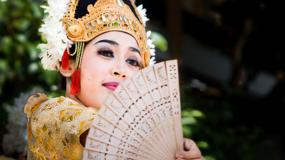 EyeEm your Eyes! Adult Adults Only Bali Bali Culture Beautiful People Beautiful Woman Beauty Crown Day Headwear Human Body Part Lombok One Person One Woman Only Only Women Outdoors People Portrait Queen - Royal Person Royal Person Stage Make-up Traditional Clothing Women Young Adult Young Women
