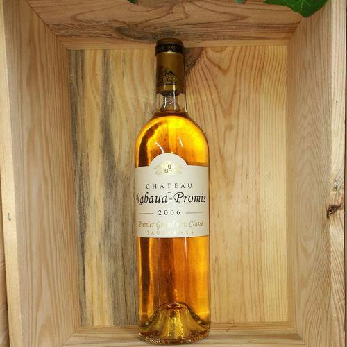 Vine Moelleux Bordeaux caisse bois No People Day Close-up Information Sign Nature Orange Color Aube Dorée