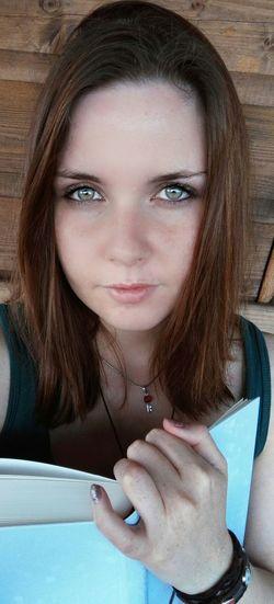 #book #BookWorm #me #memyselfandi  #selfie #selfportrait Close-up Long Hair