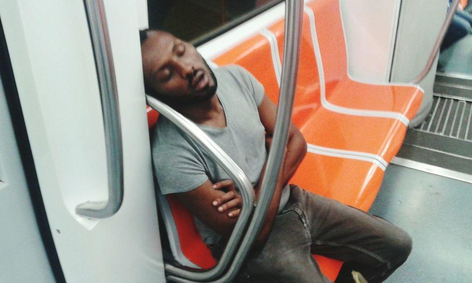 Ey Man Sleeping The Sleeping Man EyeEm EyeEm Best Pic Hanging Out