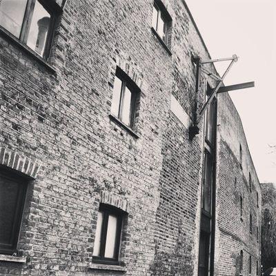 Warehouses Warehouse Winch Crane brick bricks brickwall rotherhithedocks rotherhithewarehouses selondon selondonforever docks