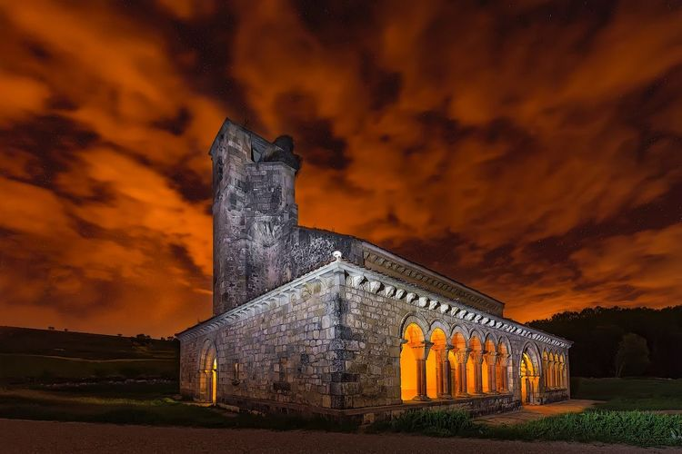 Oración nocturna Segovia España SPAIN Light Religious  Church Nightphotography Nightphotography Sky Cloud - Sky Night Architecture Built Structure Building Exterior Nature No People Dramatic Sky Building Outdoors Illuminated My Best Photo My Best Photo Architecture History The Past Dramatic Sky Old Ancient Orange Color Religion