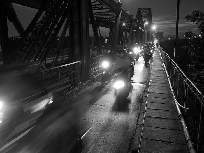 Winner bnw_motorcycles 2019/06/21 Long Biên Bridge (ex Paul Doumer) ; only for bikes and mototcycles… and train in the middle. Bnw_motorcycles Blurred Motion Night Architecture Built Structure Bridge - Man Made Structure Bridge Mode Of Transportation Transportation Bnw_friday_eyeemchallenge
