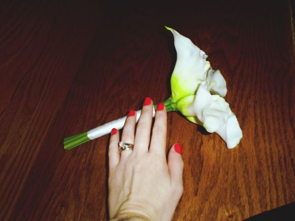 Human Hand One Person Human Body Part One Woman Only Only Women Adults Only Hand Ring Rings Indoors  People Social Issues Flowers Bouquet Calla Lily Close-up Young Adult Freshness Day