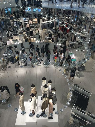 H&M Hella People On Tuesday 1st Store In Taiwan Shopping ♡ Nice Design