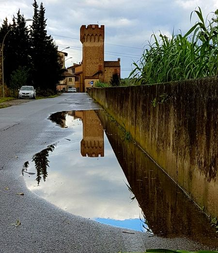 Reflection Water Sky Outdoors No People Day Nature Eyem Collection Samsung Galaxy S7 Edge Mio Punto Di Vista 2016😍 Personal Perspective Punti Di Vista Riflessosullacqua Architecture Torre Sky And Clouds Sky_collection Cloud - Sky Montelupo Fiorentino Passeggiarenellanatura EyeEm Best Shots Reflection