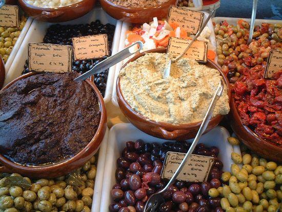Olives Au Marché Paris Food Day Market Tasty Rico Aperitif Yammy!!  オリーブ マルシェ