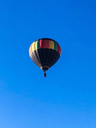 Blue Sky Clear Sky Hot Air Balloon Adventure Flying Balloon Transportation Mid-air Low Angle View Air Vehicle Multi Colored Day Mode Of Transportation Freedom