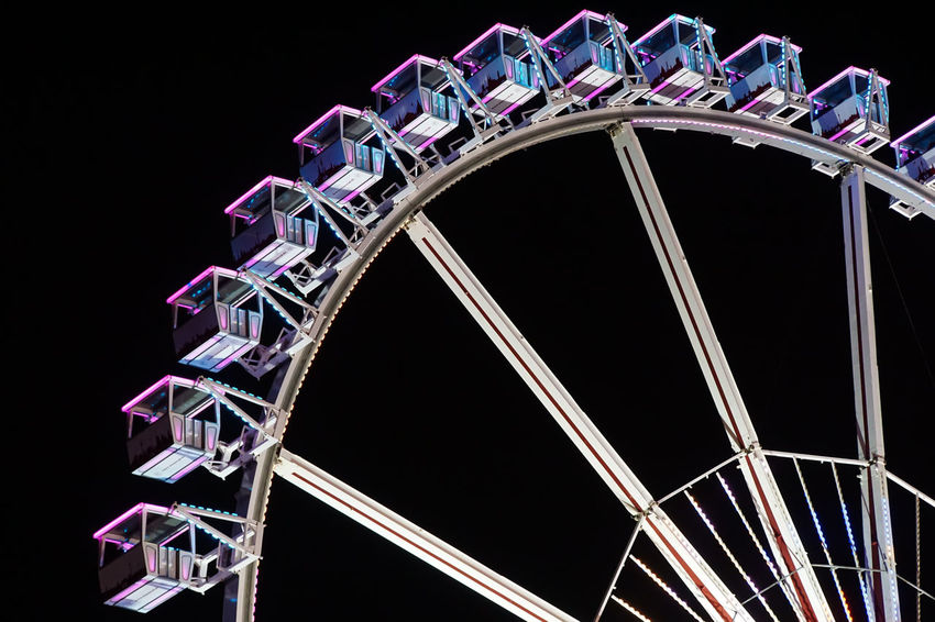 the ferry wheel Arts Culture And Entertainment Black Sky Ferris Wheel Low Angle View Metal Nacht Nightphotography Railing Riesenrad Schwarzer Himmel Urbanphotography HUAWEI Photo Award: After Dark