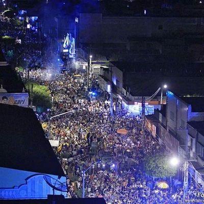 Dois dias apenas para a nossa cidade virar um mar de gente. Quarta-feira sua liiiinda, chegue logo! Carnaval2014 Carnavaldecaico Blocoktux êra 2dias muitahashtag
