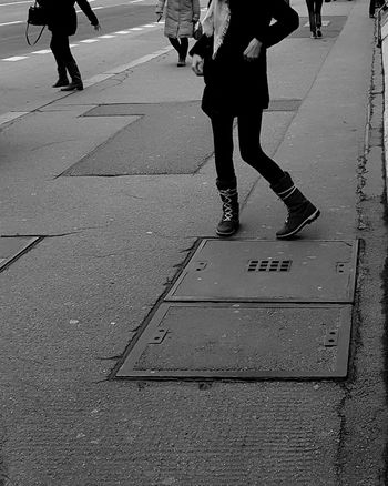 EyeEm Best Shots Eye4photography  Taking Photos Ilovephotography EyeEm Selects Berlin Photography Streetphotography Blackandwhite Photography Galaxys8 EyeEm Best Shots - Black + White Vacation Time Stopthetime Berliner Ansichten Ichbineinberliner EyeEmBestPics Travelinberlin Amateurphotography Die Mauer