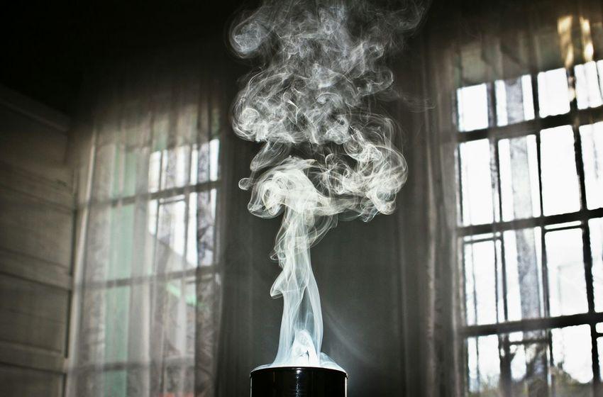 Playing with smoke and flash. Flash Smoke Taking Photos Color Photography Humo Incienso