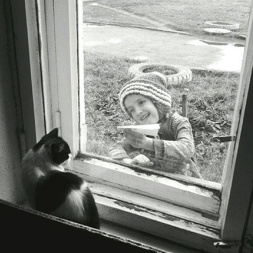 Mobilephotography Blackandwhite Through The Window Monochrome People Watching
