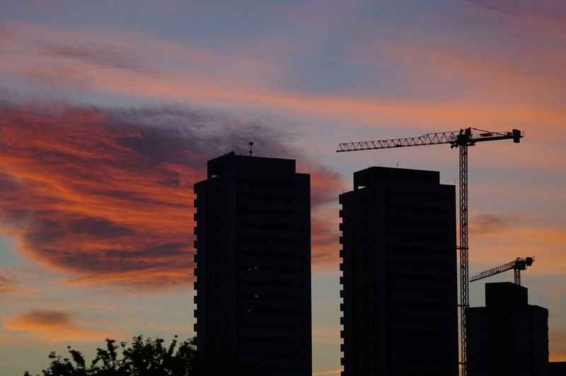 Atardecer en la ciudad. Córdoba Daniel Ramonell Rio Cuarto Architecture Argentina Beauty In Nature Building Exterior Built Structure City Cloud - Sky Construction Site Day Development Growth Low Angle View Modern Nature No People Orange Color Outdoors Silhouette Sky Skyscraper Sunset