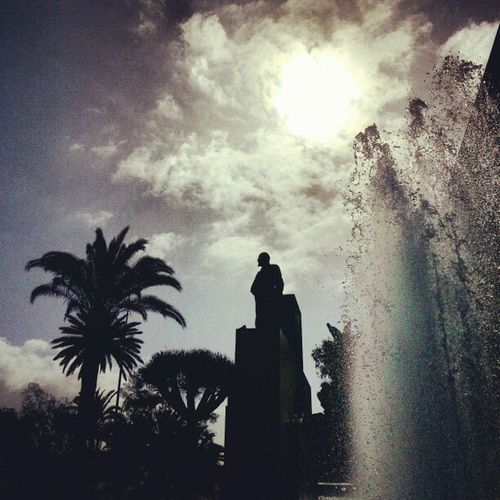 PaseoDeChil LasPalmas Laspalmasdegrancanaria LPGC GranCanaria Fuente Fountain Sun Sol Agua Water Sculpture Escultura Estatua Palmera Palmtree Drago Cielo Sky Igers IgersLpa IgersLasPalmas PicOfTheDay PhotoOfTheDay FotoDelDía