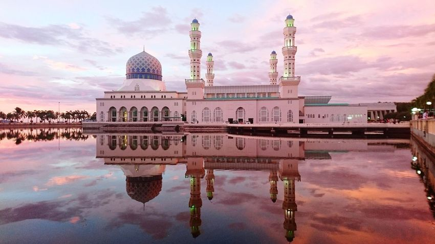 Kota Kinabalu City Mosque, Sabah Borneo. Reflection Architecture Dome Sky Cloud - Sky History Water Travel Destinations Built Structure Sunset City Symmetry No People Outdoors Urban Skyline Cityscape Day Backgrounds Malaysia Concept Raya Place Of Worship Vacation Wallpapers Sabah Malaysia malaysia