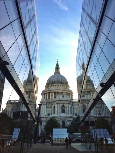 St. Paul Cathedral The Architect - 2014 EyeEm Awards Symmetrical